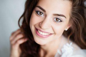 Un nouveau sourire grâce aux facettes dentaires